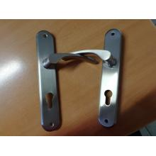 KOS N1310-PC72 Kliky se štíty dveřními nikl matné